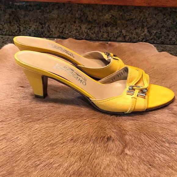 Yellow Slip On Pumps 85c | Poshmark